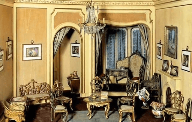 Helena Rubinstein's Second Empire Room Box