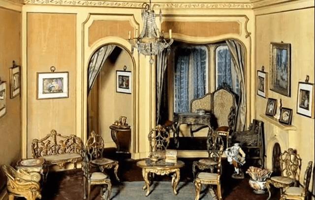 Helena Rubinsteins Second Empire Room Box