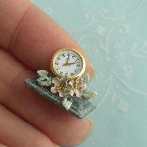 Brooke- Tucker- Rose-Floral-Desk-Clock