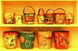 accessorize-dollhouse-shelves-sand-pails
