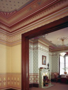 classicism-victorian-dollhouse-wall-covering