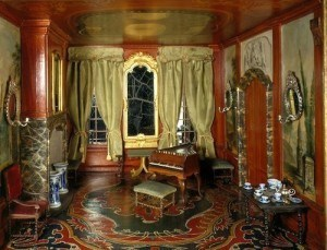 sara-rothe-painted-room-cabibet-dollhouse