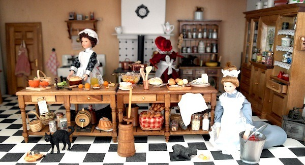 all-about-dollhouses--cabinet-kitchen