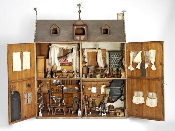 nuremberg-house-dollhouse-interior
