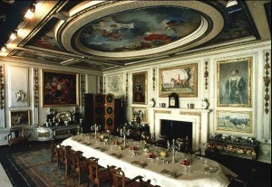 queen-mary-doll-house-dining-room