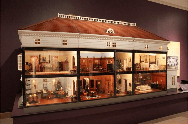 the-world-made-small-exhibit-colonial-williamsburg