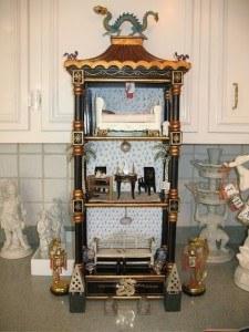 chinoiserie-black-dragon-dollshouse