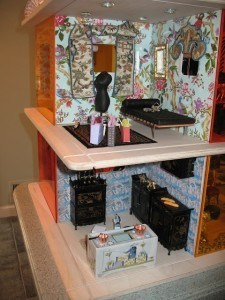 chinoiserie-dollhouse-kitchen-bedroom