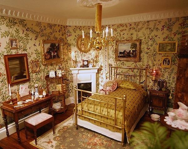 The Subtle Edwardians Dollhouse Decorating