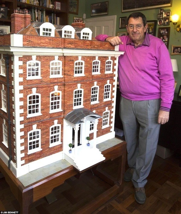 rainham-hall-dollhouse