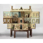Traveling Dolls Houses