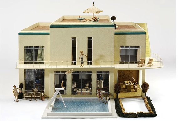 whiteladies-dolls-house-exterior