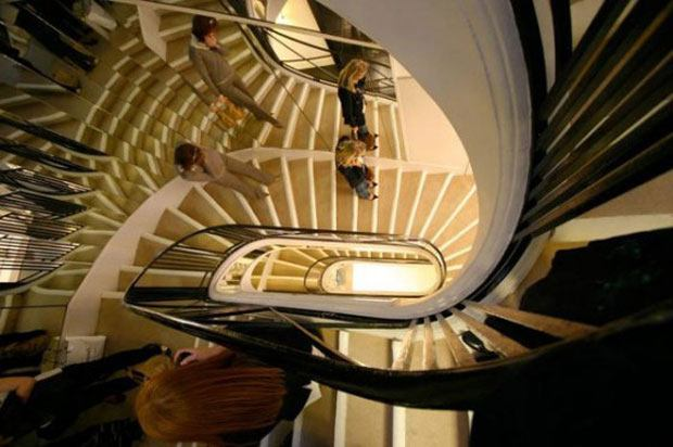 chanel-art-deco-spiral-staircase