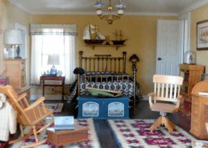 large-dollhouse-boys-room