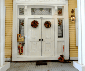 large-dollhouse-front-door