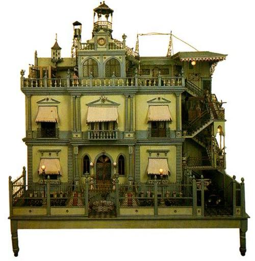 mexican-mansion-dollhouse