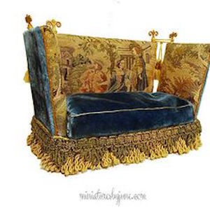 victorian-furniture-late-art-aesthetic-sofa