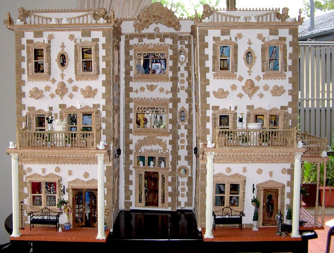baroque-maureen-caelli-italianate-palazzo-dollshouse