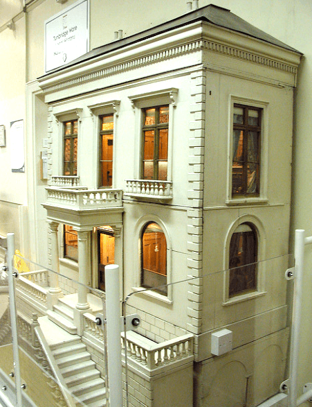 riggs-dolls-house-exterior